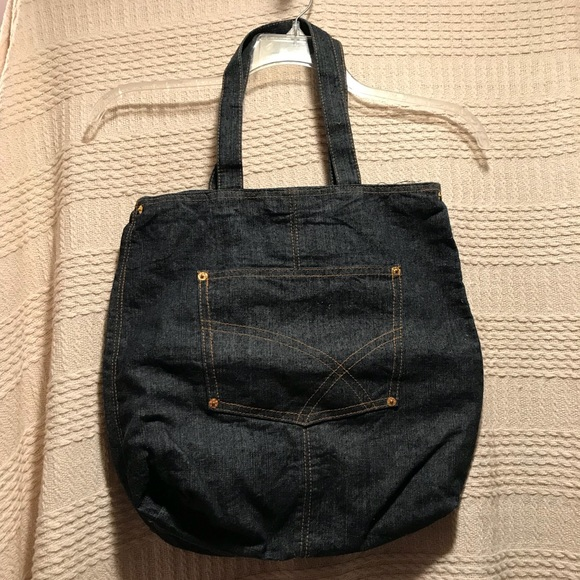 Handbags - 👜NWOT Denim Tote👜